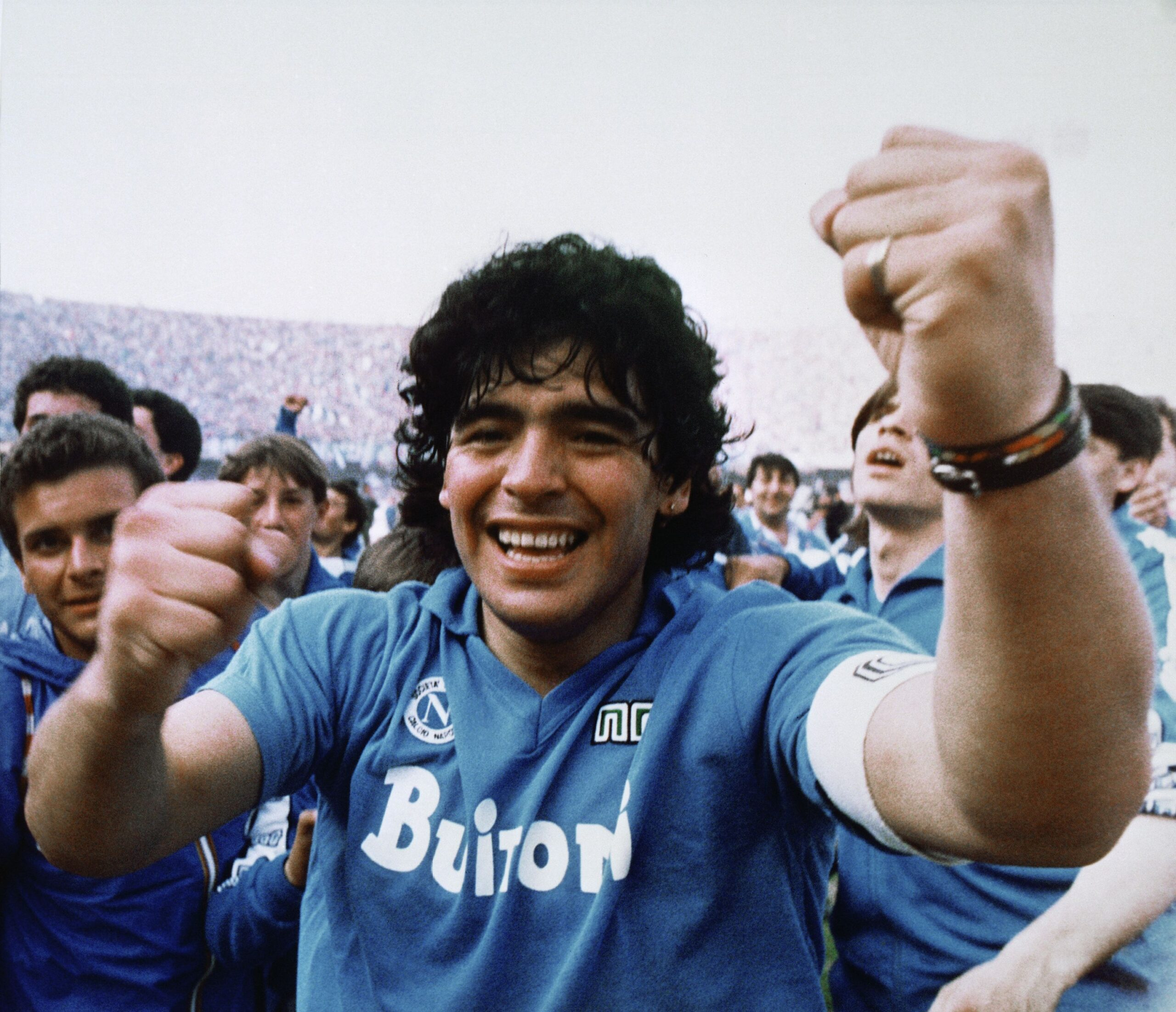 """""""Je so' pazzo""""… Maradona, una vita sempre al massimo"""