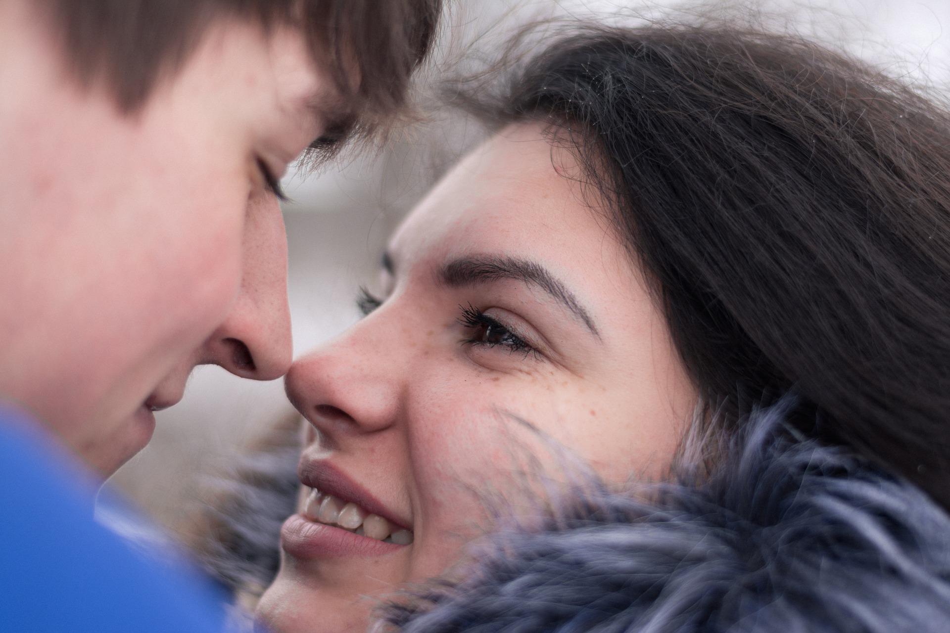 """""""SE SEI FELICE FACCI CASO"""" PRESENTA… """"Piccole in/felicità"""" di ANNA DI CAGNO"""